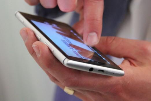 Nokia Lumia 925 (3)